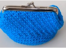 Crochet Purse With Nozzle