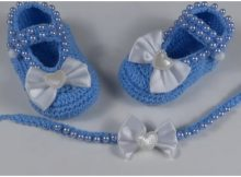Baby Booties With Pearls And Bow