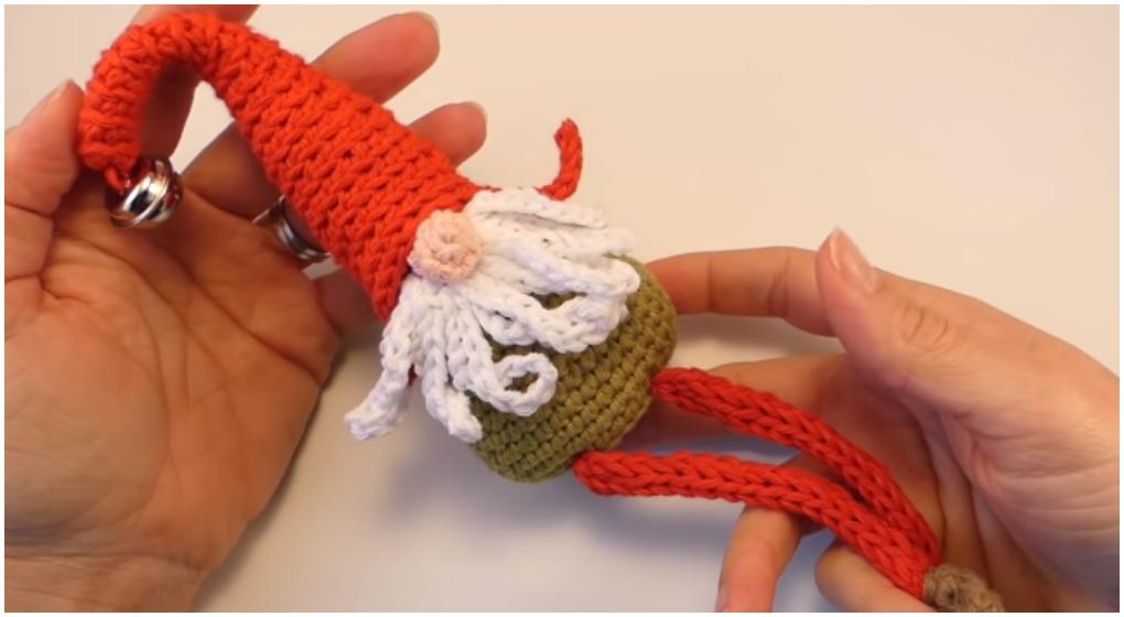 Christmas Gnomes Free Crochet Patterns | 560x1020