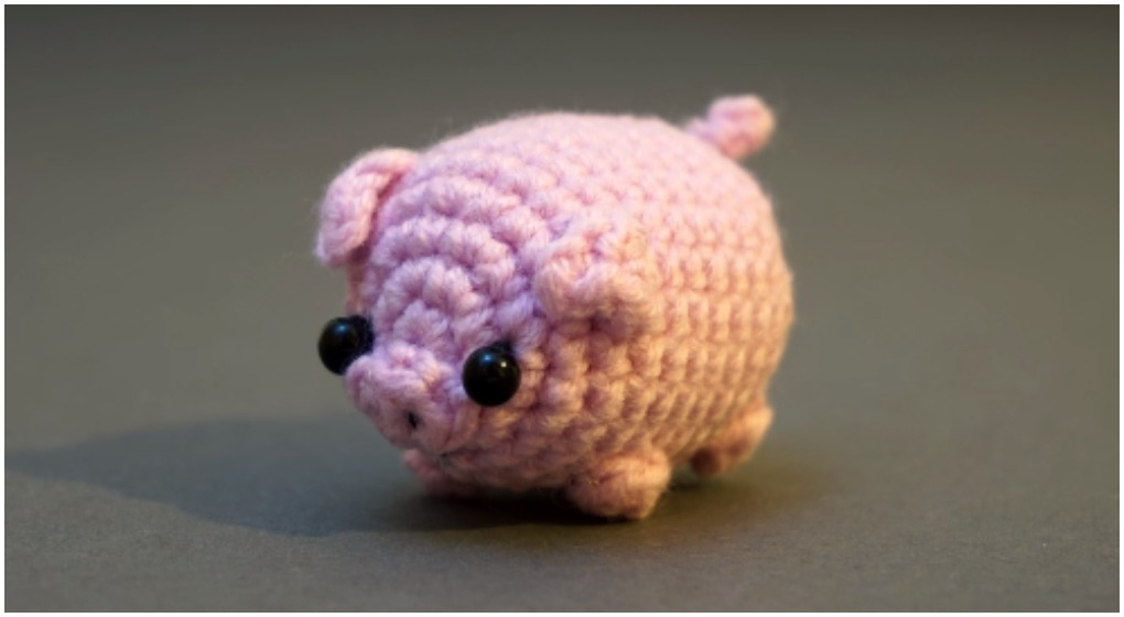 Amazon.com: Geekirumi! handmade crochet amigurumi pig stress ball ... | 560x1020