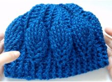 Beanie Hat With 3D Leaves