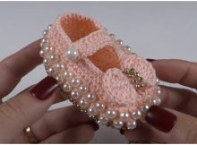 Baby Booties With Pearls