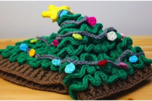Easy Christmas Tree Hat